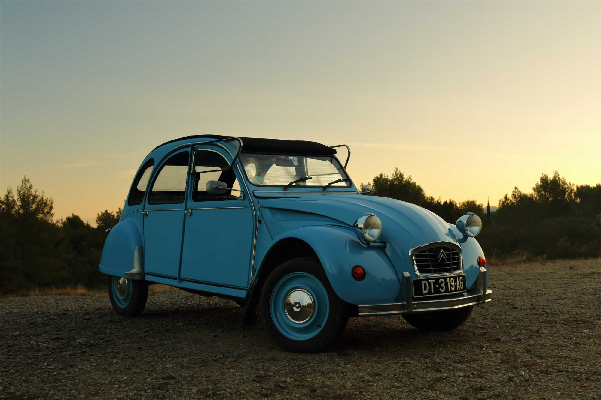A professional photograph of one of the vehicles on offer at Provence Classics, for rental in the south of France.